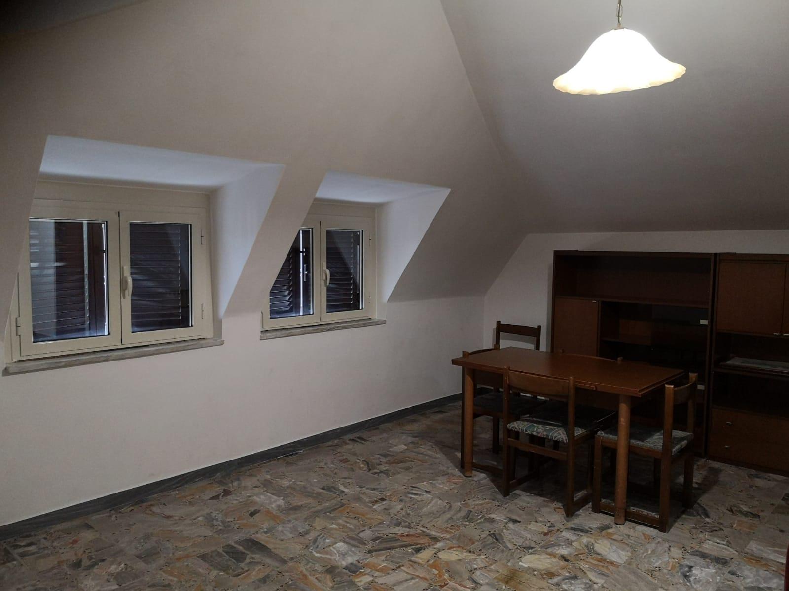 https://www.progettocasa1.it/immagini_immobili/06-03-2020/appartamento-affitto-colleferro-roma-via-consolare-latina-257-711.jpg
