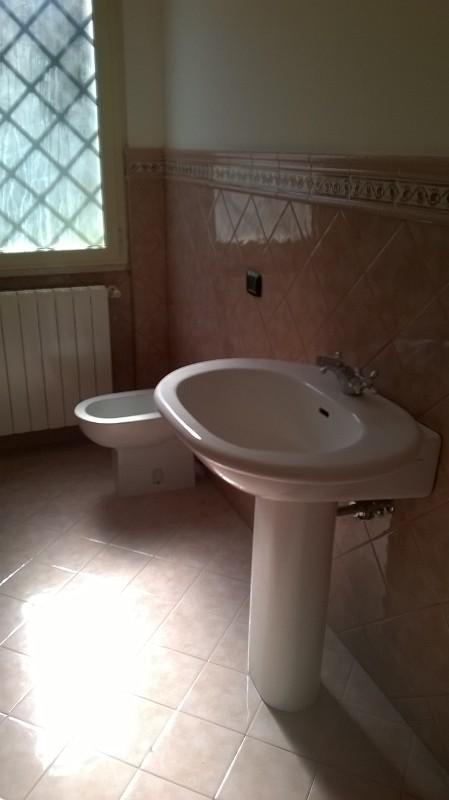https://www.progettocasa1.it/immagini_immobili/06-06-2019/soluzione-indipendente-affitto-colleferro-roma-via-latina-244-402.jpg