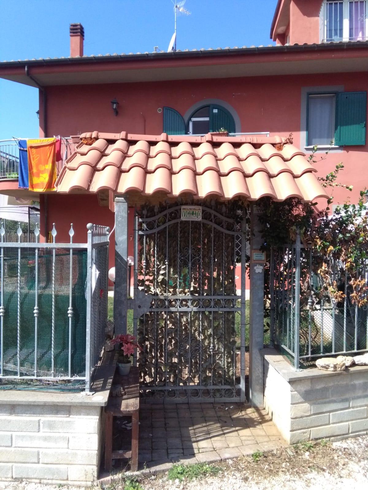 https://www.progettocasa1.it/immagini_immobili/06-06-2019/soluzione-indipendente-affitto-colleferro-roma-via-latina-244-412.jpg