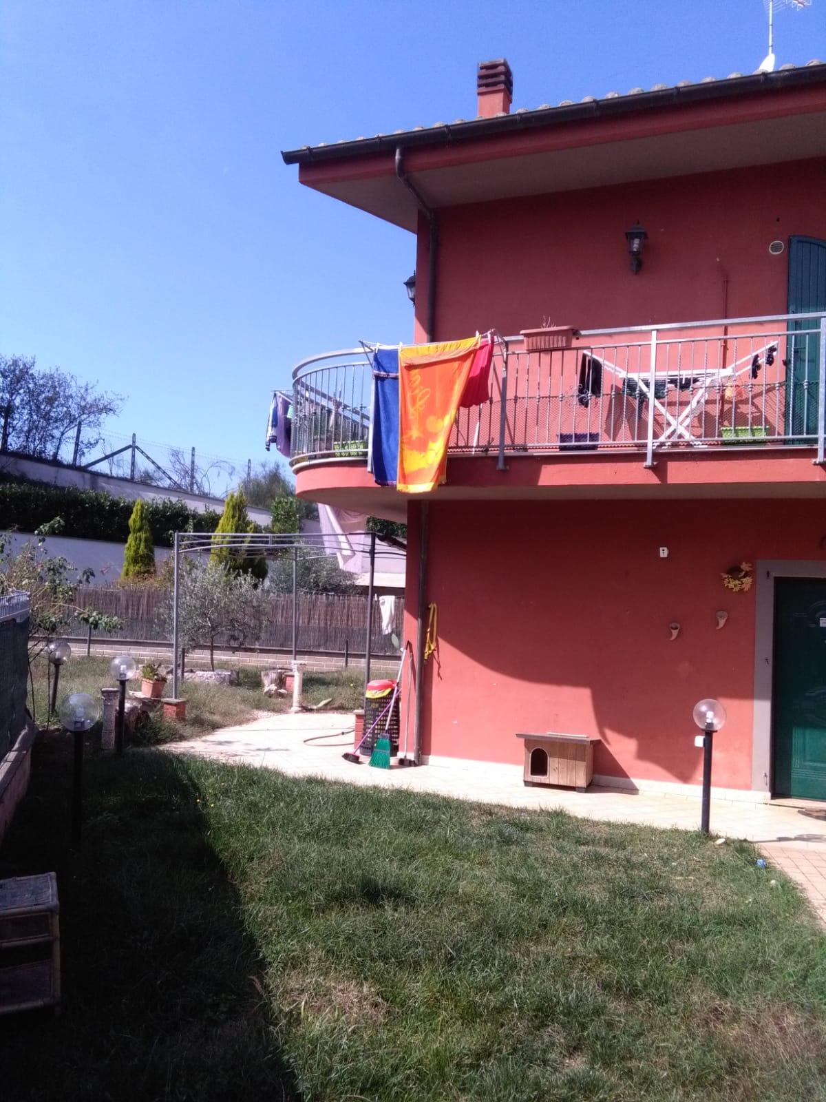 https://www.progettocasa1.it/immagini_immobili/06-06-2019/soluzione-indipendente-affitto-colleferro-roma-via-latina-244-555.jpg