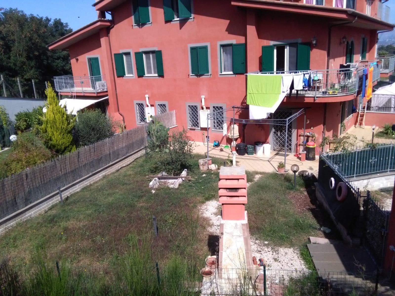 https://www.progettocasa1.it/immagini_immobili/06-06-2019/soluzione-indipendente-affitto-colleferro-roma-via-latina-244-556.jpg