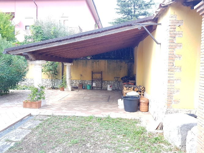 https://www.progettocasa1.it/immagini_immobili/06-09-2019/appartamento-affitto-segni-roma-via-delle-mele-663.jpg