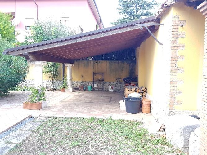 https://www.progettocasa1.it/immagini_immobili/06-09-2019/appartamento-affitto-segni-roma-via-delle-mele-670.jpg