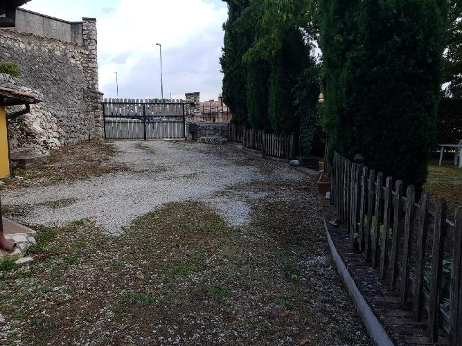 https://www.progettocasa1.it/immagini_immobili/06-09-2019/appartamento-affitto-segni-roma-via-delle-mele-942.jpg