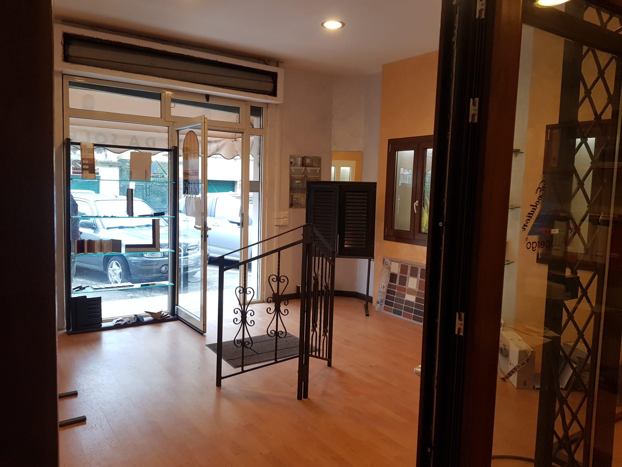 https://www.progettocasa1.it/immagini_immobili/07-01-2021/locale-commerciale-vendita-colleferro-roma-via-consolare-latina66-668.jpg