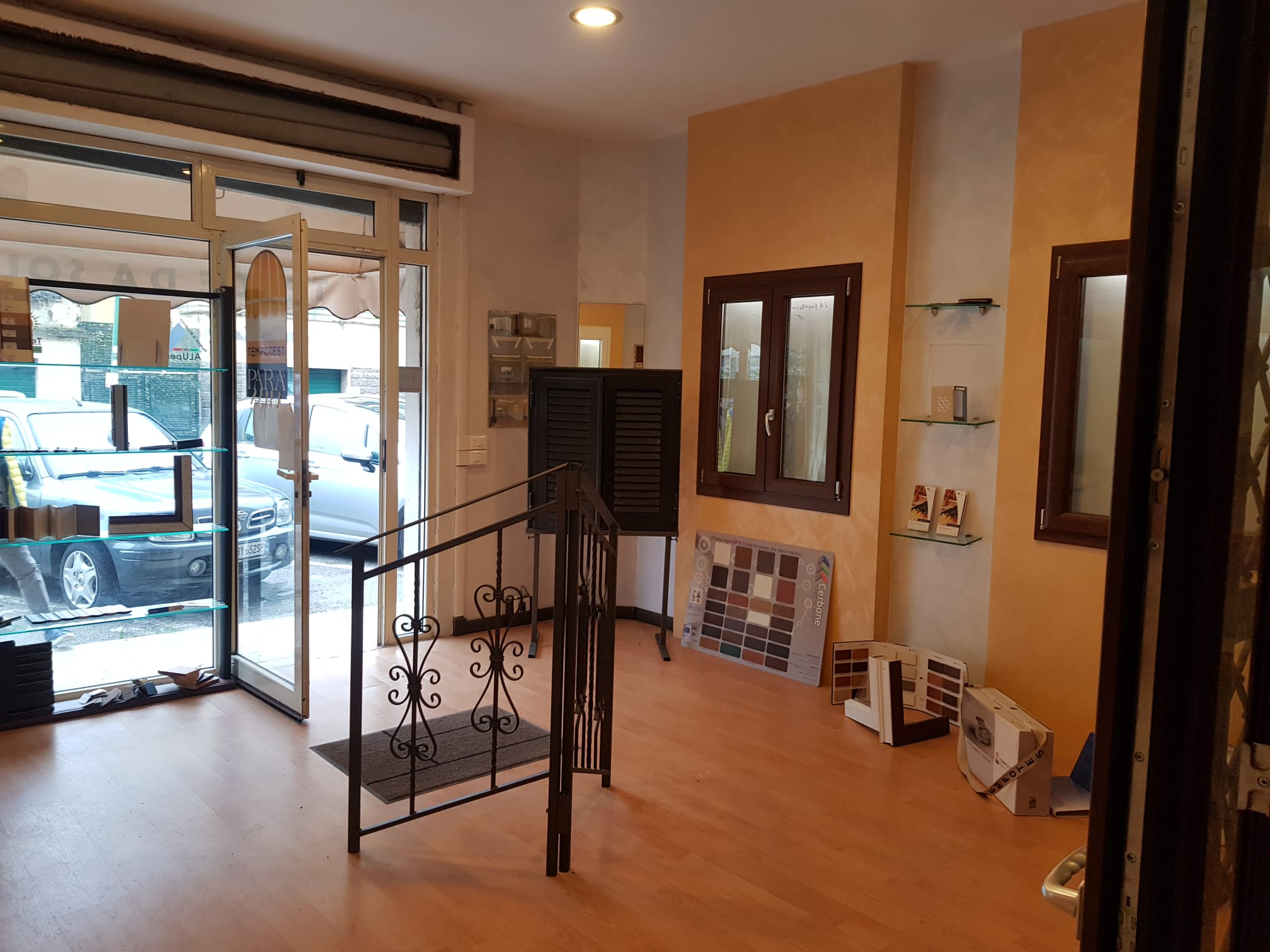 https://www.progettocasa1.it/immagini_immobili/07-01-2021/locale-commerciale-vendita-colleferro-roma-via-consolare-latina66-670.jpg