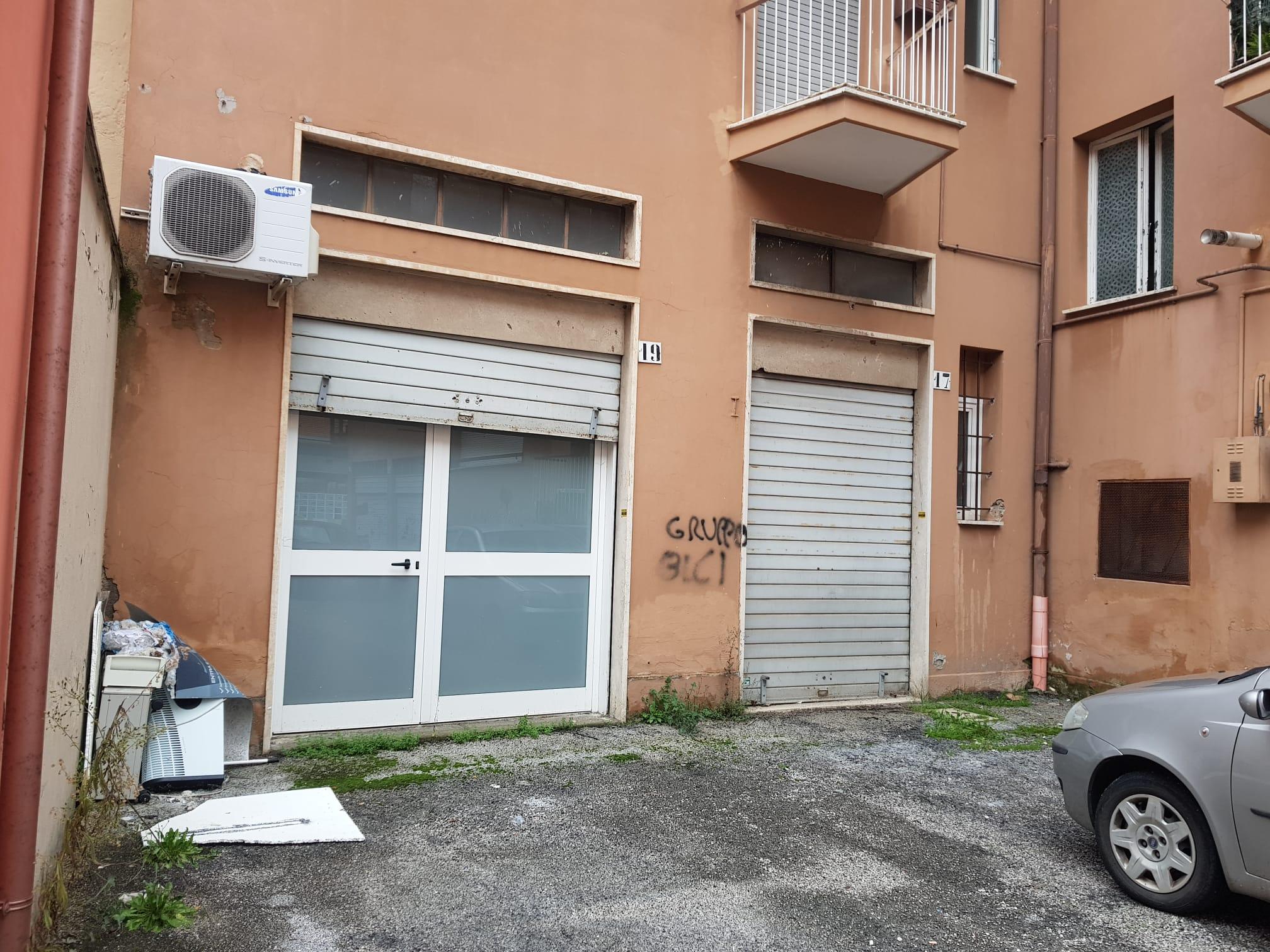 https://www.progettocasa1.it/immagini_immobili/07-01-2021/locale-commerciale-vendita-colleferro-roma-via-consolare-latina66-860.jpg