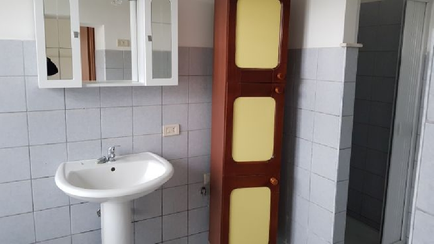 https://www.progettocasa1.it/immagini_immobili/07-05-2018/appartamento-affitto-colleferro-roma-via-vittorio-emanuele-242.jpg