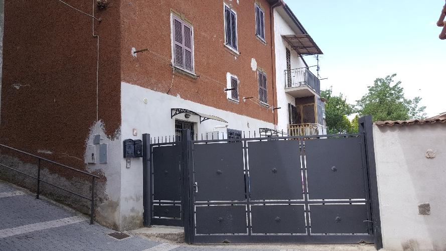https://www.progettocasa1.it/immagini_immobili/07-05-2018/appartamento-affitto-colleferro-roma-via-vittorio-emanuele-440.jpg