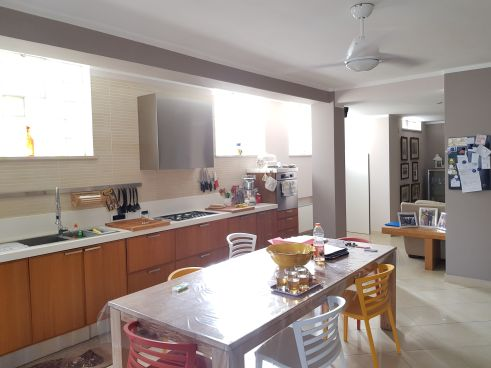 https://www.progettocasa1.it/immagini_immobili/07-10-2019/soluzione-indipendente-vendita-colleferro-roma-via-enrico-toti-5-447.jpg