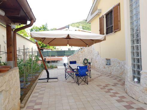https://www.progettocasa1.it/immagini_immobili/07-10-2019/soluzione-indipendente-vendita-colleferro-roma-via-enrico-toti-5-464.jpg