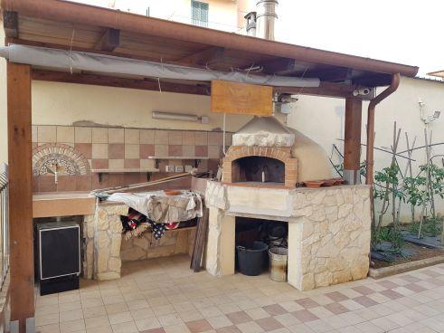 https://www.progettocasa1.it/immagini_immobili/07-10-2019/soluzione-indipendente-vendita-colleferro-roma-via-enrico-toti-5-557.jpg