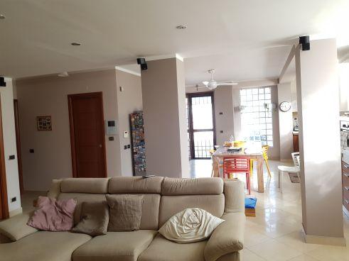 https://www.progettocasa1.it/immagini_immobili/07-10-2019/soluzione-indipendente-vendita-colleferro-roma-via-enrico-toti-5-560.jpg