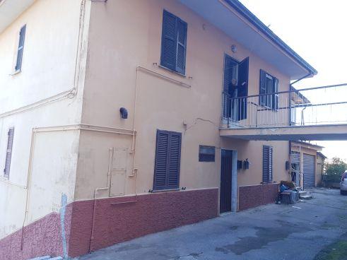 https://www.progettocasa1.it/immagini_immobili/07-10-2019/soluzione-indipendente-vendita-colleferro-roma-via-vittorio-emanuele-202.jpg