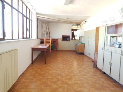 https://www.progettocasa1.it/immagini_immobili/07-10-2019/soluzione-indipendente-vendita-colleferro-roma-via-vittorio-emanuele-300.jpg