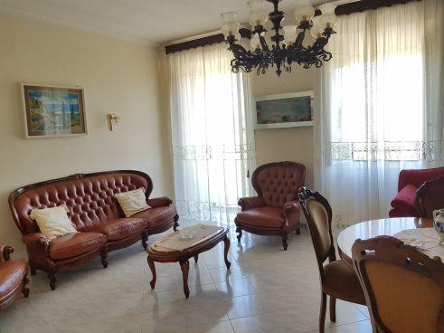 https://www.progettocasa1.it/immagini_immobili/07-10-2019/soluzione-indipendente-vendita-colleferro-roma-via-vittorio-emanuele-434.jpg