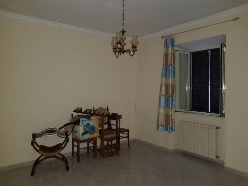 https://www.progettocasa1.it/immagini_immobili/07-10-2019/soluzione-indipendente-vendita-colleferro-roma-via-vittorio-emanuele-440.jpg