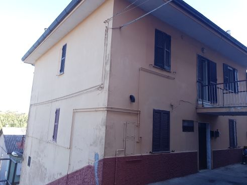 https://www.progettocasa1.it/immagini_immobili/07-10-2019/soluzione-indipendente-vendita-colleferro-roma-via-vittorio-emanuele-637.jpg