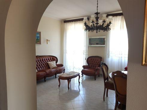 https://www.progettocasa1.it/immagini_immobili/07-10-2019/soluzione-indipendente-vendita-colleferro-roma-via-vittorio-emanuele-642.jpg