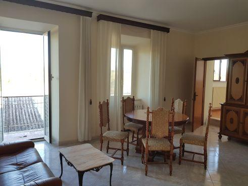 https://www.progettocasa1.it/immagini_immobili/07-10-2019/soluzione-indipendente-vendita-colleferro-roma-via-vittorio-emanuele-652.jpg