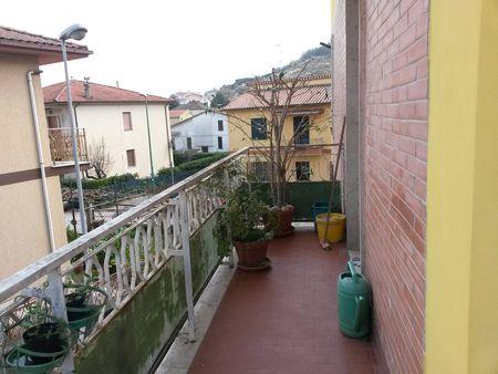 https://www.progettocasa1.it/immagini_immobili/07-12-2019/appartamento-vendita-colleferro-roma-via-achille-grandi-63-745.jpg