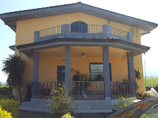 https://www.progettocasa1.it/immagini_immobili/08-01-2020/soluzione-indipendente-vendita-colleferro-roma--419.jpg