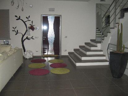 https://www.progettocasa1.it/immagini_immobili/08-01-2020/soluzione-indipendente-vendita-colleferro-roma--670.JPG
