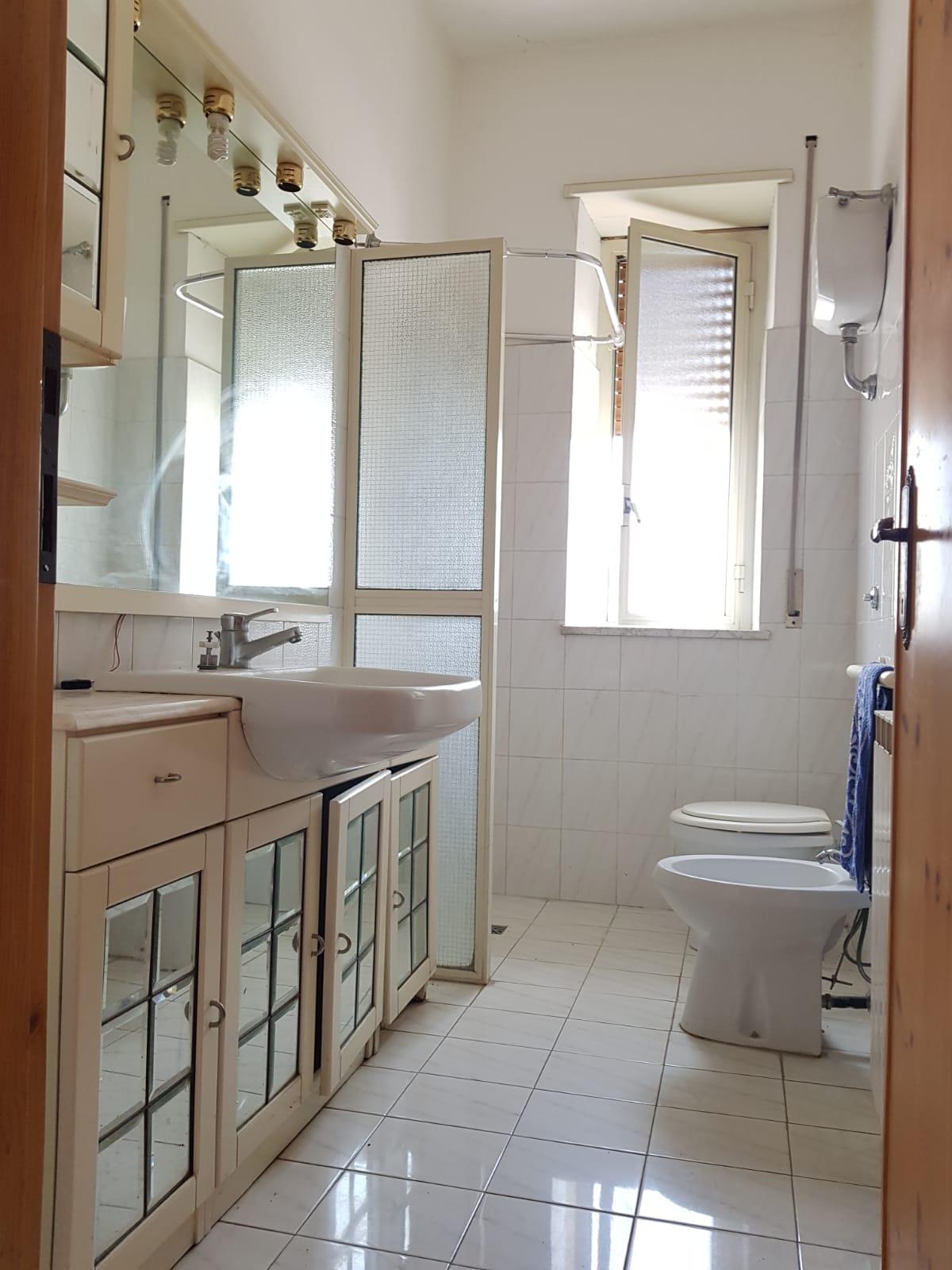 https://www.progettocasa1.it/immagini_immobili/08-08-2019/appartamento-vendita-colleferro-roma-via-giacomo-rossini-32-499.jpg