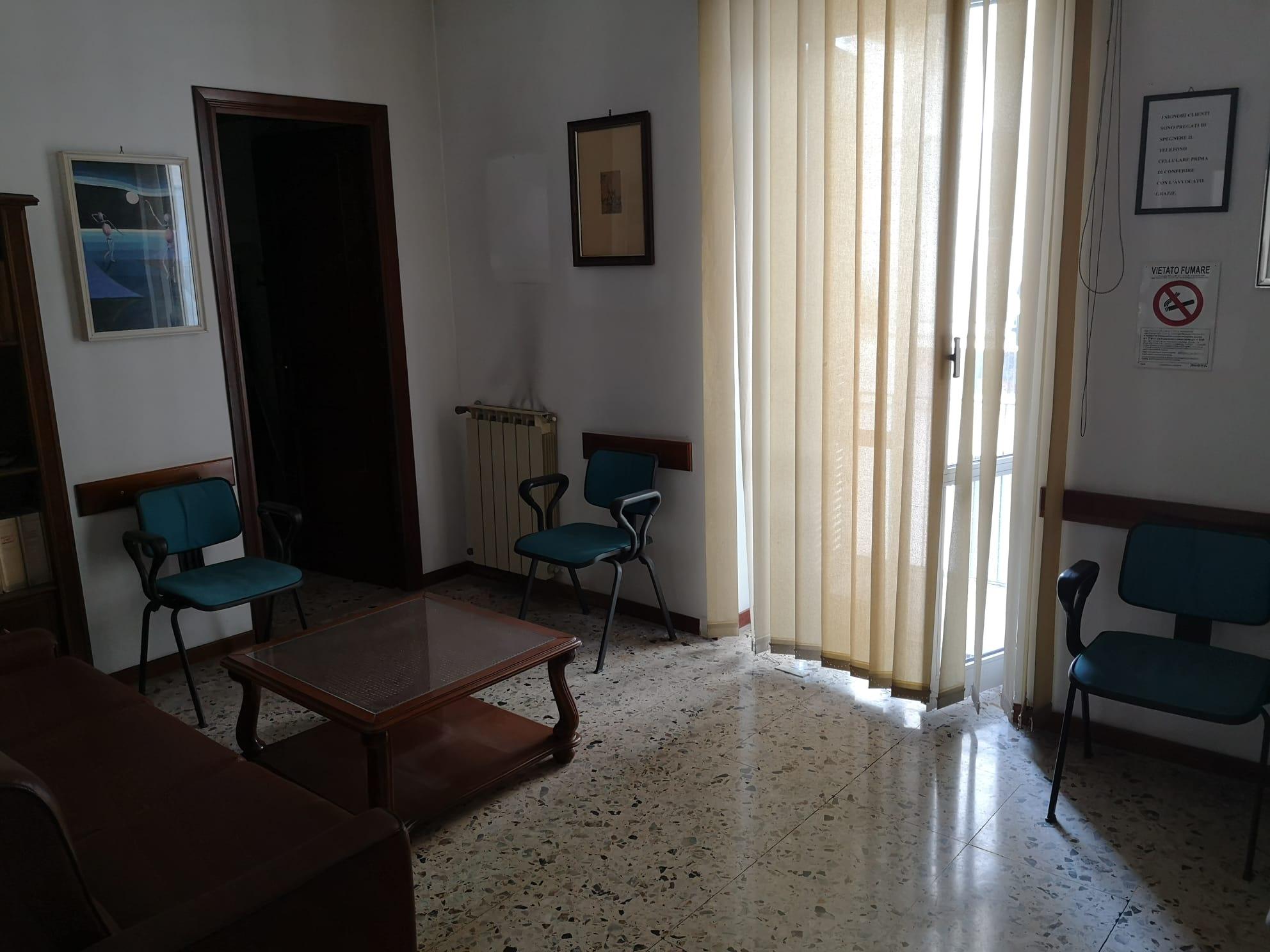 https://www.progettocasa1.it/immagini_immobili/08-09-2021/ufficio-affitto-colleferro-roma-via-achille-grandi-21-779.jpg