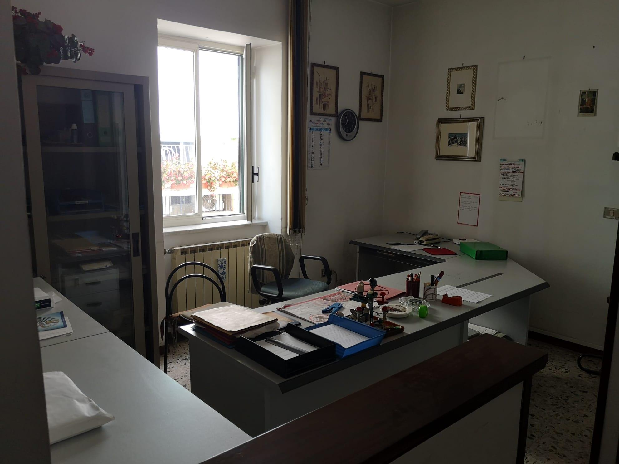 https://www.progettocasa1.it/immagini_immobili/08-09-2021/ufficio-affitto-colleferro-roma-via-achille-grandi-21-781.jpg