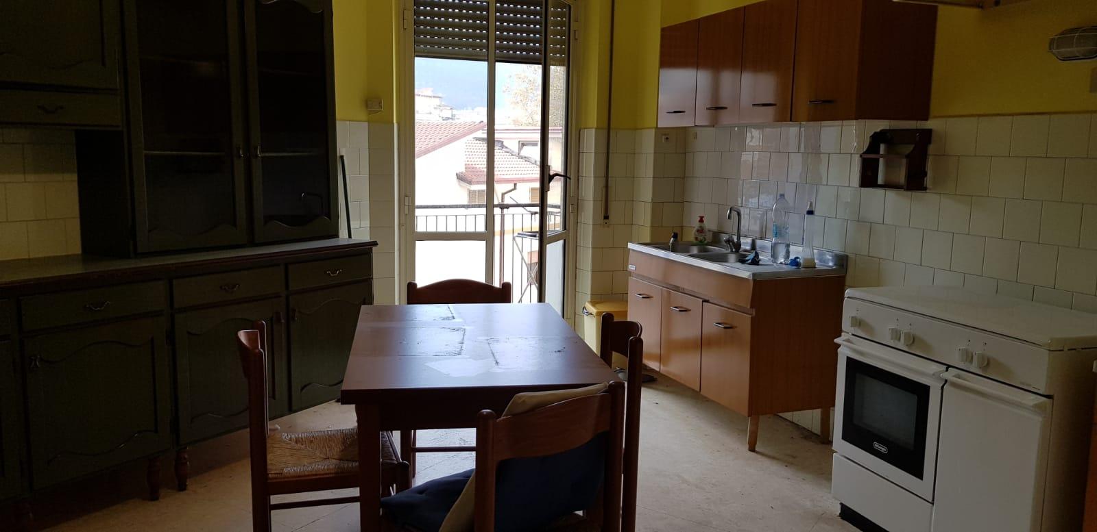 https://www.progettocasa1.it/immagini_immobili/08-11-2018/appartamento-vendita-colleferro-roma-via-fratelli-cervi-15-272.jpg