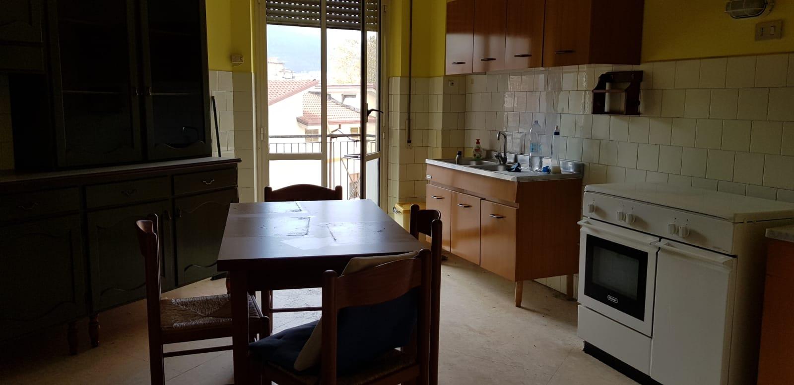 https://www.progettocasa1.it/immagini_immobili/08-11-2018/appartamento-vendita-colleferro-roma-via-fratelli-cervi-15-279.jpg