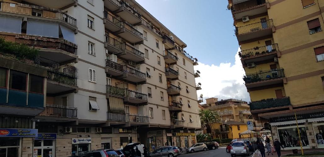 https://www.progettocasa1.it/immagini_immobili/08-11-2018/appartamento-vendita-colleferro-roma-via-fratelli-cervi-15-450.jpg
