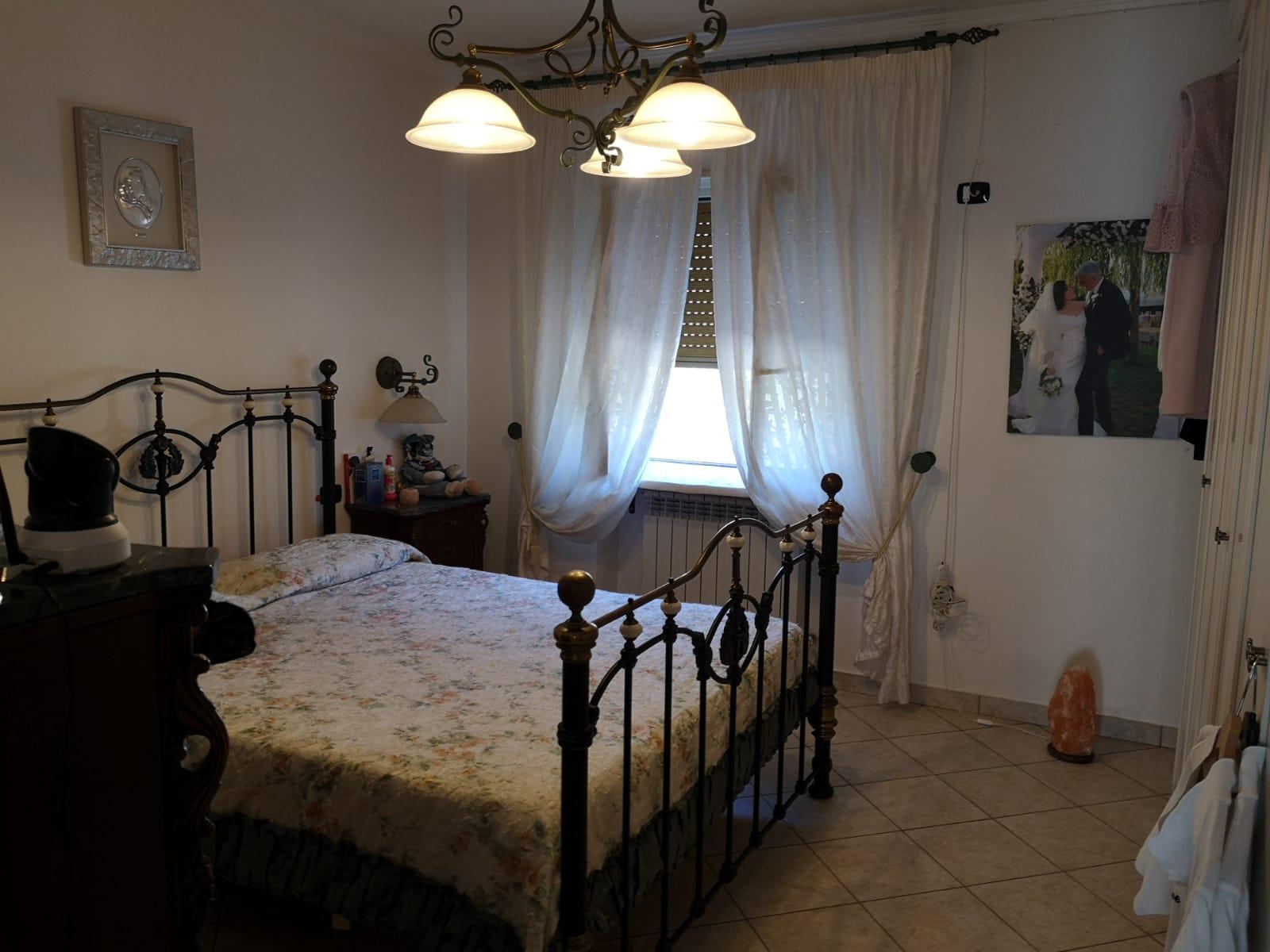 https://www.progettocasa1.it/immagini_immobili/09-10-2019/appartamento-vendita-segni-roma-via-della-mola2-676.jpg