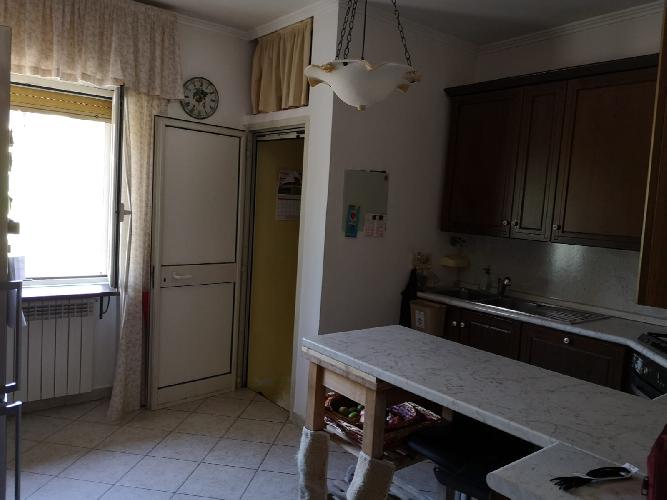 https://www.progettocasa1.it/immagini_immobili/09-10-2019/appartamento-vendita-segni-roma-via-della-mola2-811.jpg