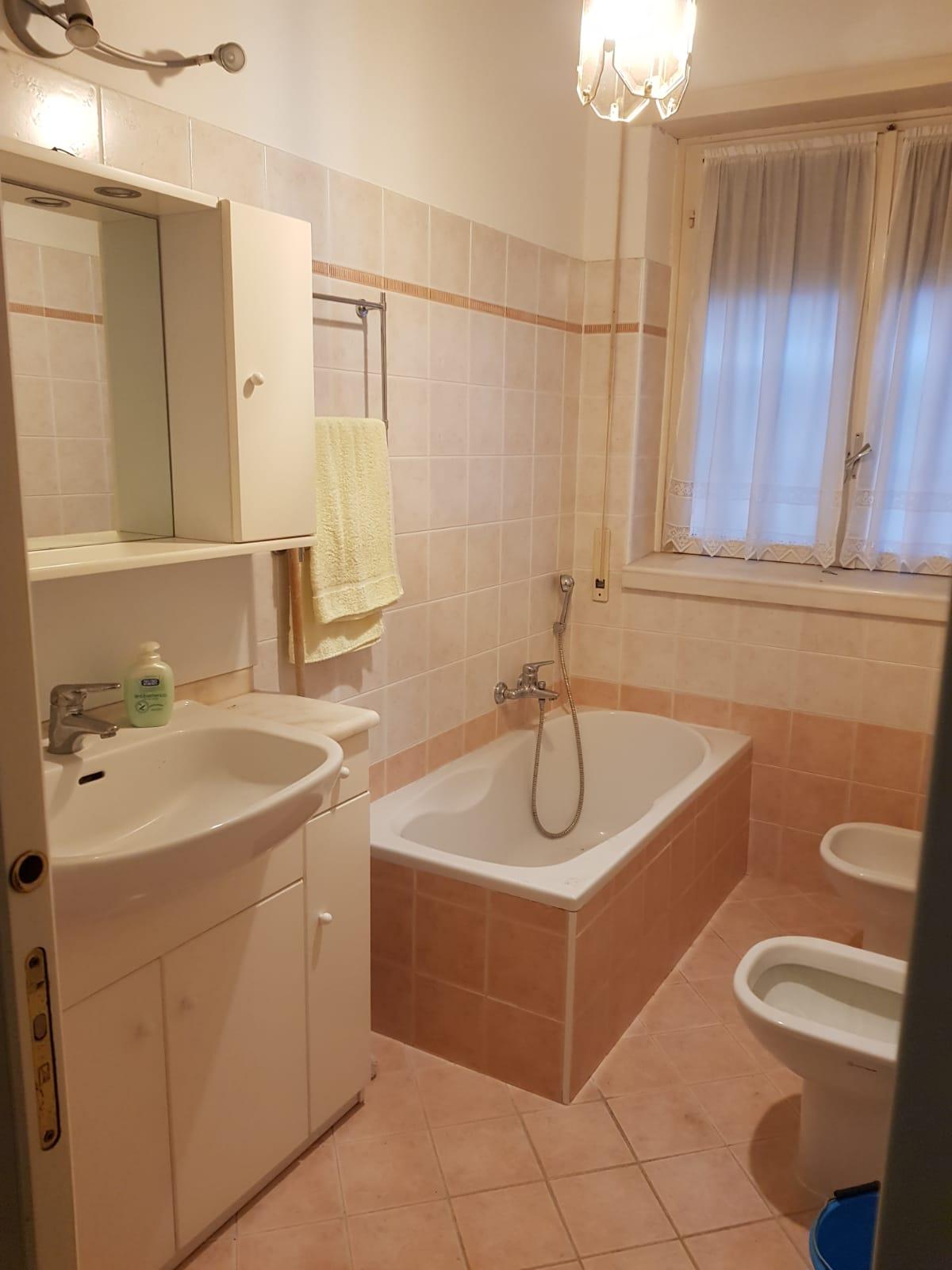 https://www.progettocasa1.it/immagini_immobili/09-12-2020/appartamento-vendita-colleferro-roma-via-alessandro-manzoni-3-528.jpg