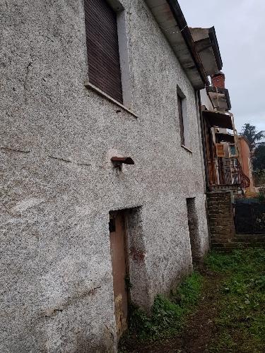 https://www.progettocasa1.it/immagini_immobili/10-01-2019/soluzione-indipendente-vendita-colleferro-roma-via-donizetti-403.jpg
