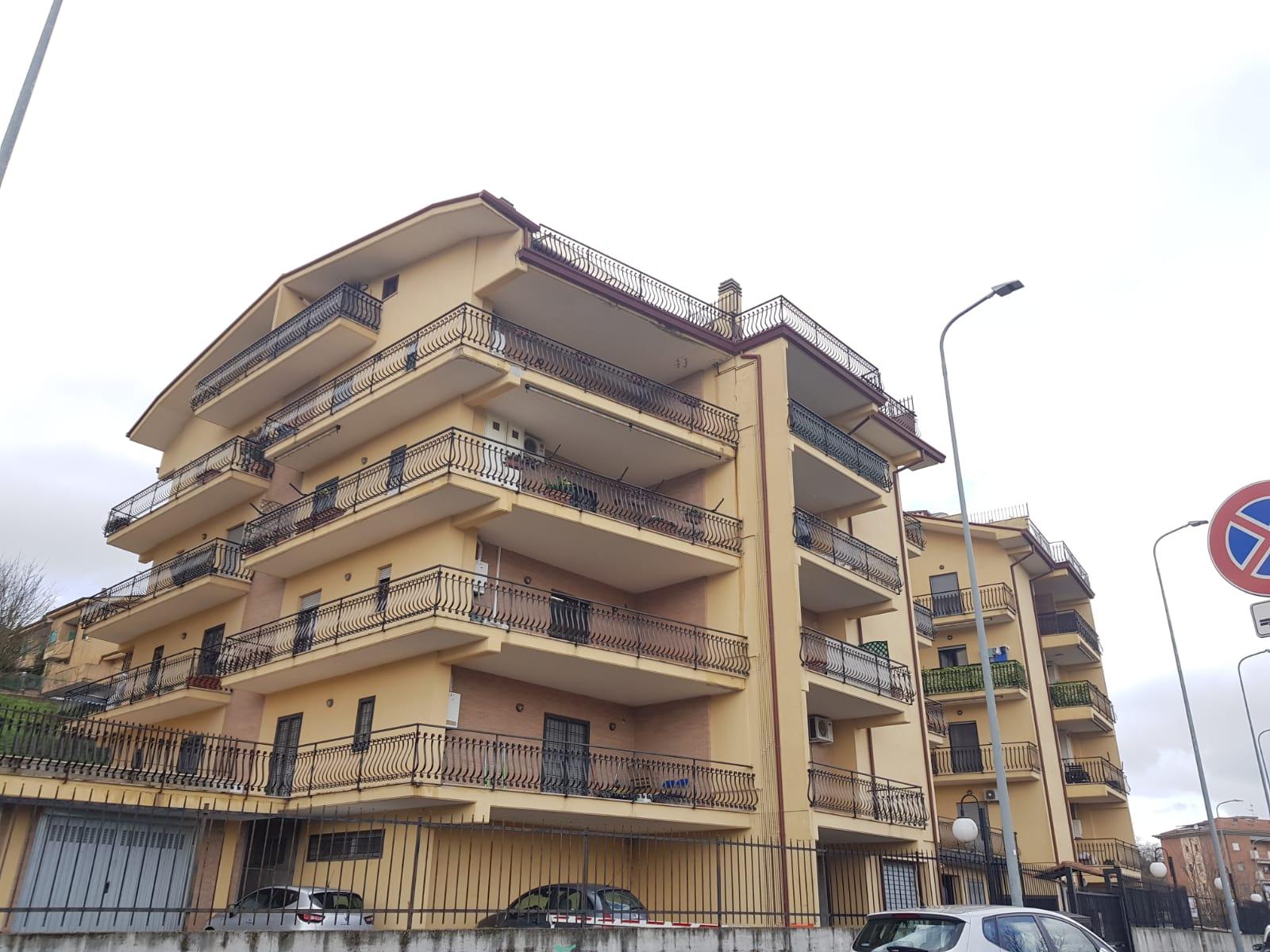 https://www.progettocasa1.it/immagini_immobili/10-03-2020/appartamento-affitto-colleferro-roma-via-quattrocchi20-858.jpg