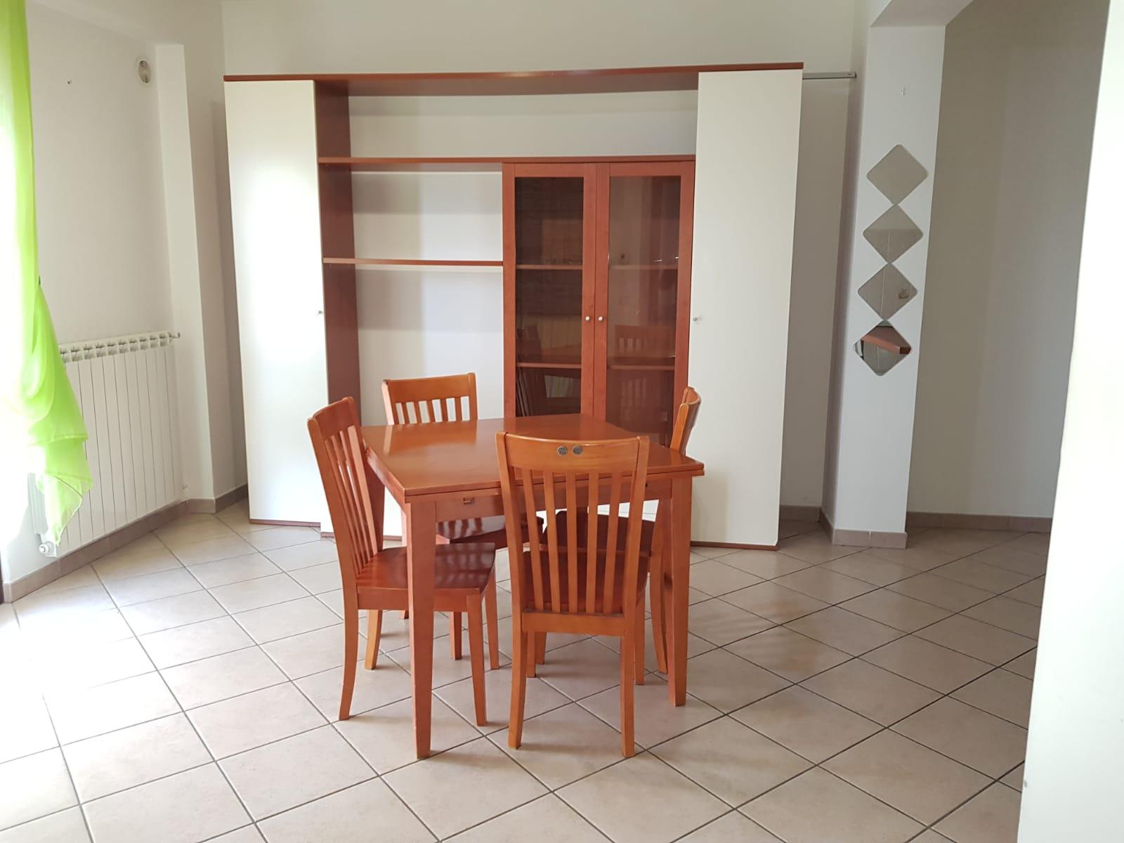 https://www.progettocasa1.it/immagini_immobili/10-03-2020/appartamento-affitto-colleferro-roma-via-quattrocchi20-860.jpg