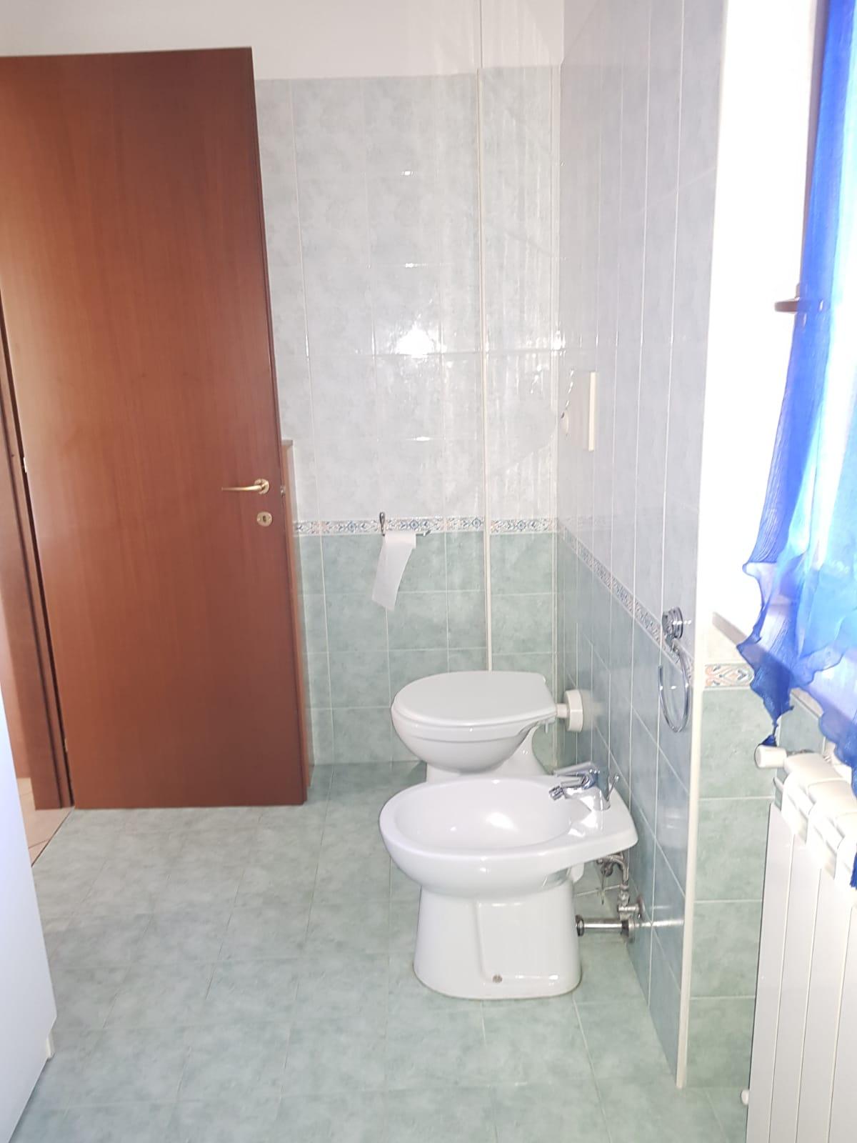 https://www.progettocasa1.it/immagini_immobili/10-03-2020/appartamento-affitto-colleferro-roma-via-quattrocchi20-861.jpg