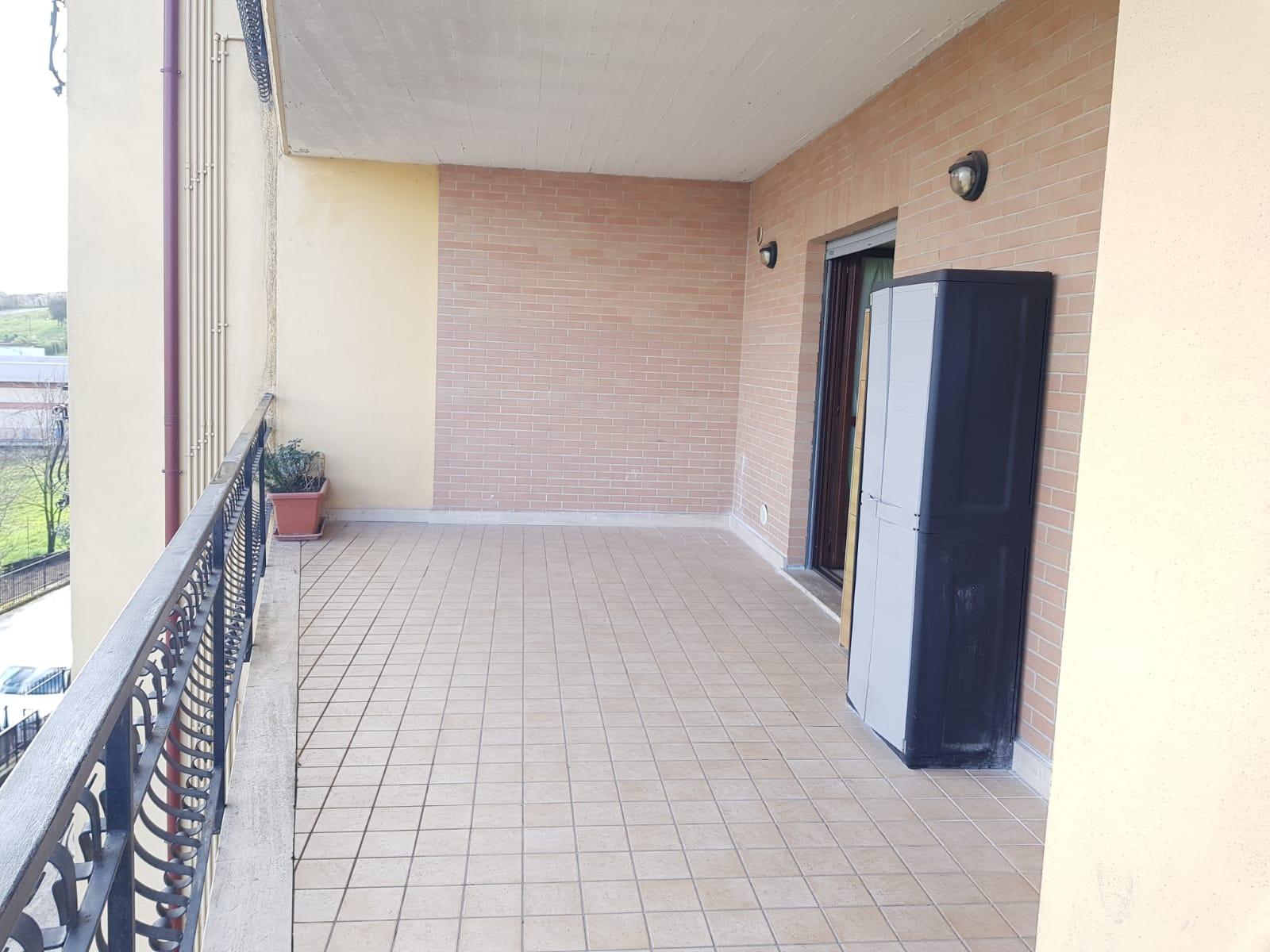 https://www.progettocasa1.it/immagini_immobili/10-03-2020/appartamento-affitto-colleferro-roma-via-quattrocchi20-864.jpg