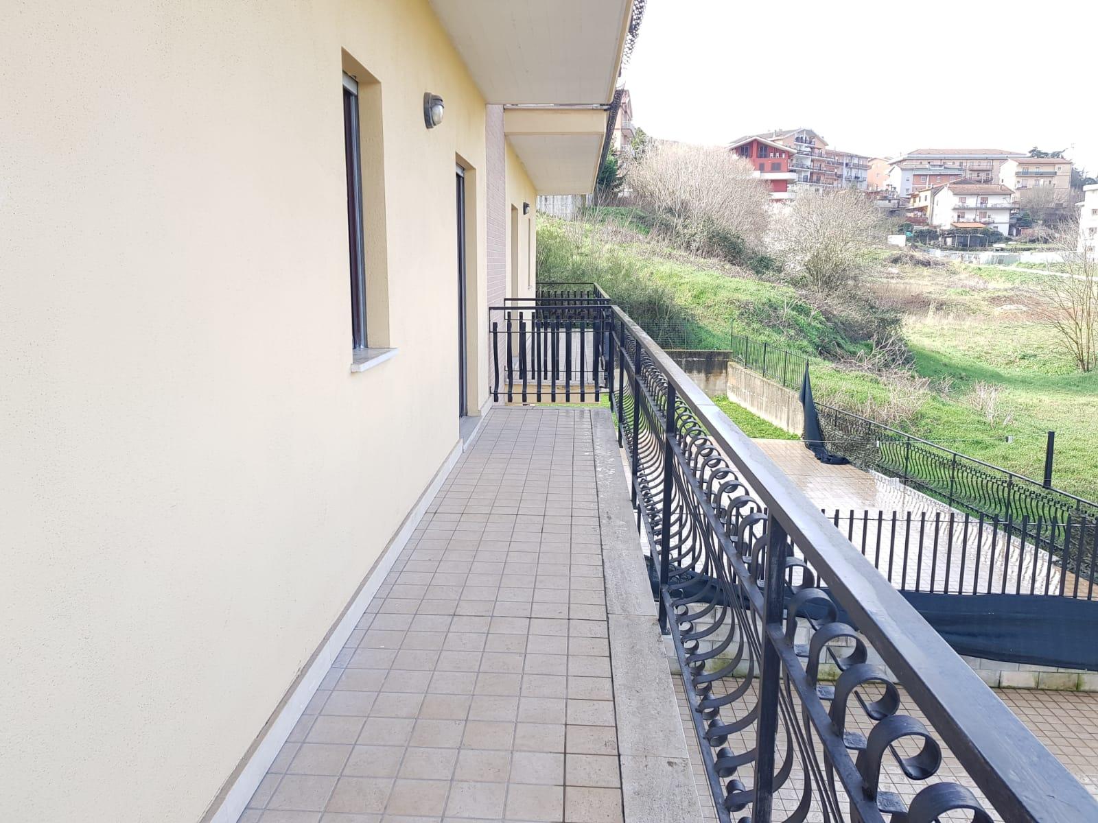 https://www.progettocasa1.it/immagini_immobili/10-03-2020/appartamento-affitto-colleferro-roma-via-quattrocchi20-869.jpg