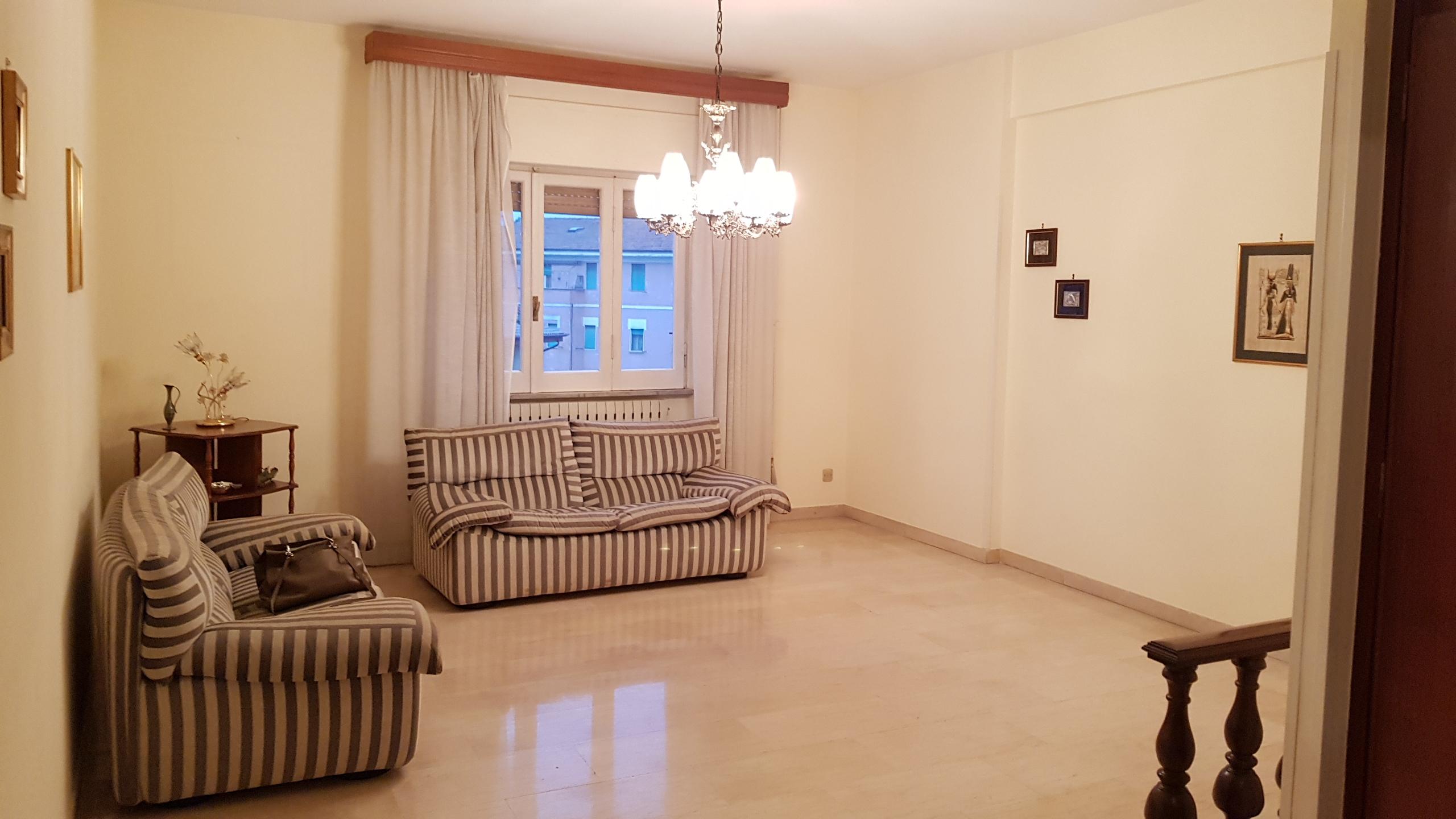 https://www.progettocasa1.it/immagini_immobili/10-04-2019/appartamento-vendita-colleferro-roma-via-giuseppe-di-vittorio-18-114.jpg