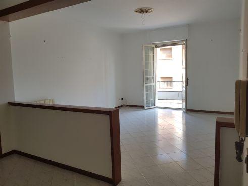 https://www.progettocasa1.it/immagini_immobili/10-07-2020/appartamento-vendita-colleferro-roma-via-martiri-delle-fosse-ardeatine-15-781.jpg