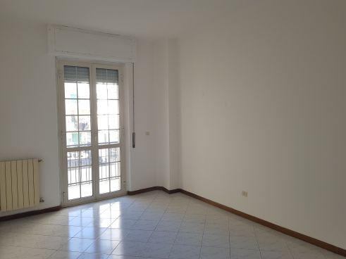 https://www.progettocasa1.it/immagini_immobili/10-07-2020/appartamento-vendita-colleferro-roma-via-martiri-delle-fosse-ardeatine-15-784.jpg