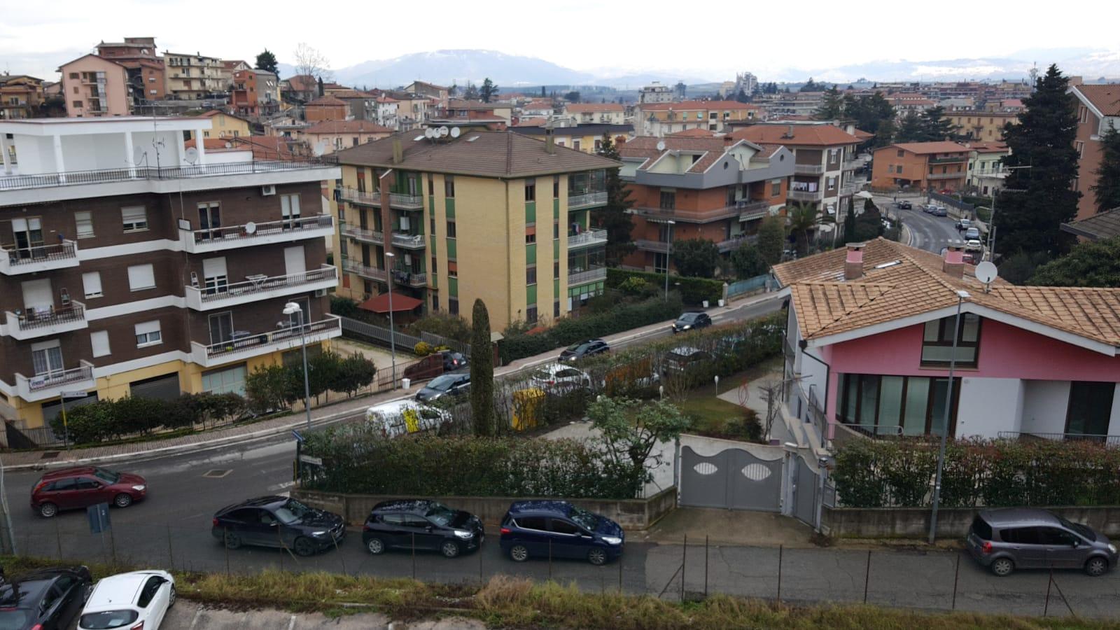 https://www.progettocasa1.it/immagini_immobili/10-09-2019/appartamento-vendita-colleferro-roma-via-vicinale-bracchi-44-313.jpg