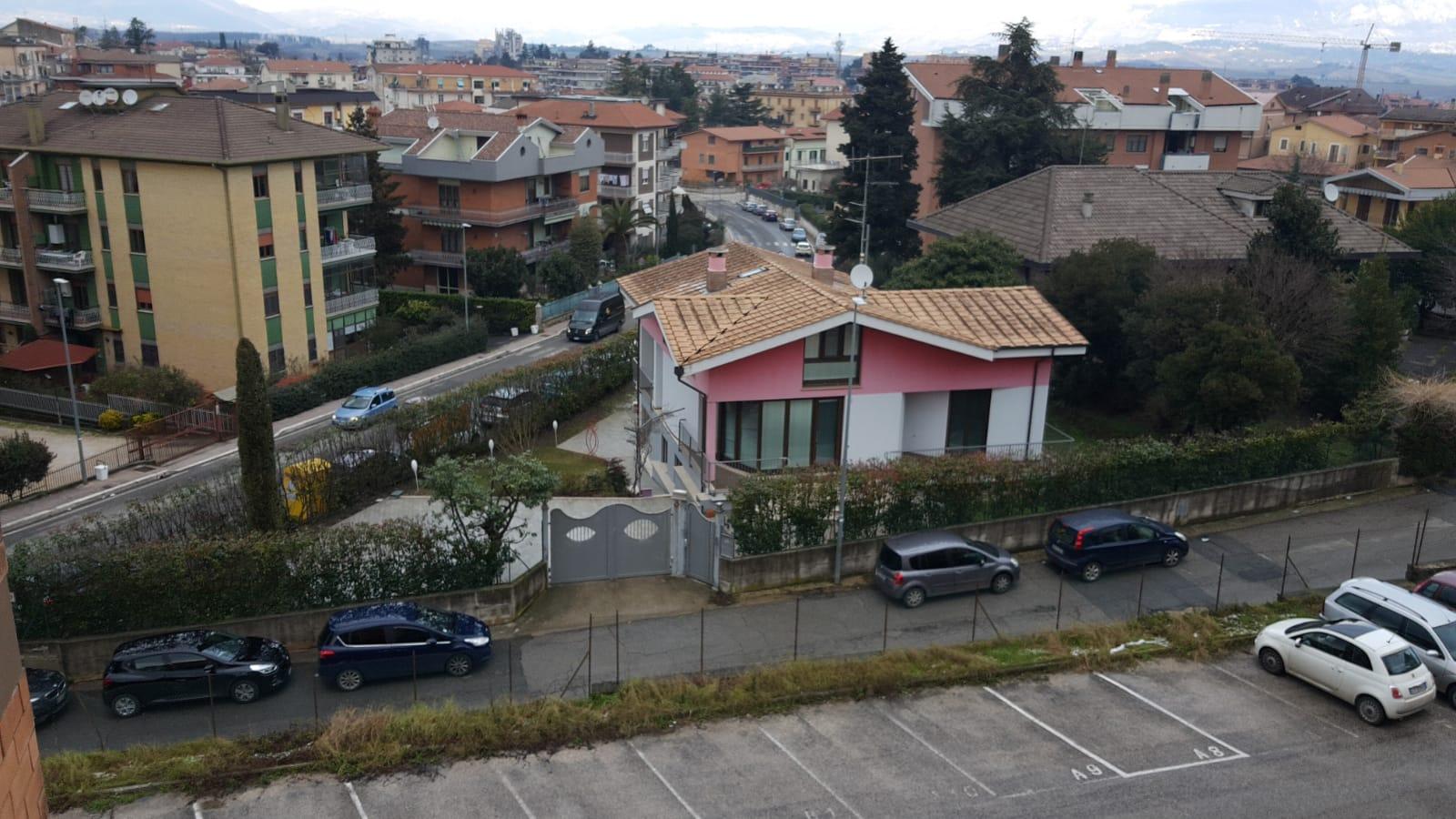 https://www.progettocasa1.it/immagini_immobili/10-09-2019/appartamento-vendita-colleferro-roma-via-vicinale-bracchi-44-345.jpg