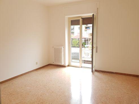 https://www.progettocasa1.it/immagini_immobili/10-09-2020/appartamento-affitto-colleferro-roma-via-consolare-latina40-826.jpg