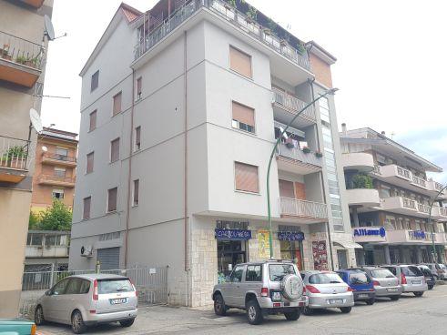 https://www.progettocasa1.it/immagini_immobili/10-09-2020/appartamento-affitto-colleferro-roma-via-consolare-latina40-830.jpg