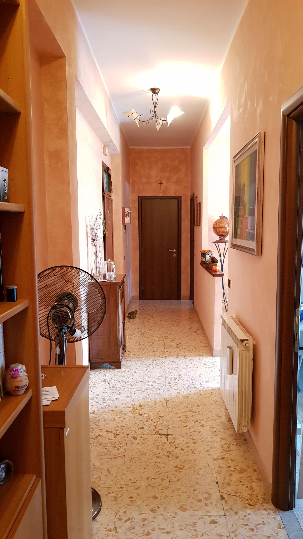 https://www.progettocasa1.it/immagini_immobili/10-10-2018/appartamento-vendita-colleferro-roma-via-enrico-ferri-3-227.jpg